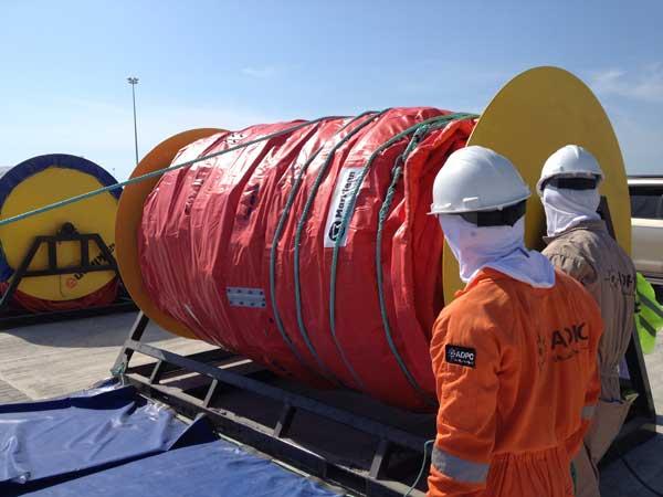 Seamaster containment boom-cab