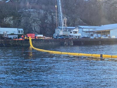 Barrera flotadores cilíndricos
