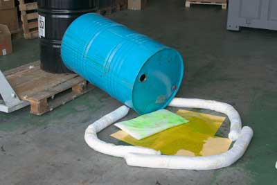 Spill kits absorbentes industriales 1 | Sorbent spill kits: industrial