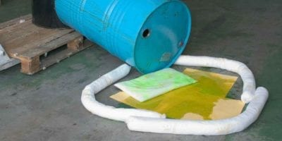 Spill kits absorbentes industriales