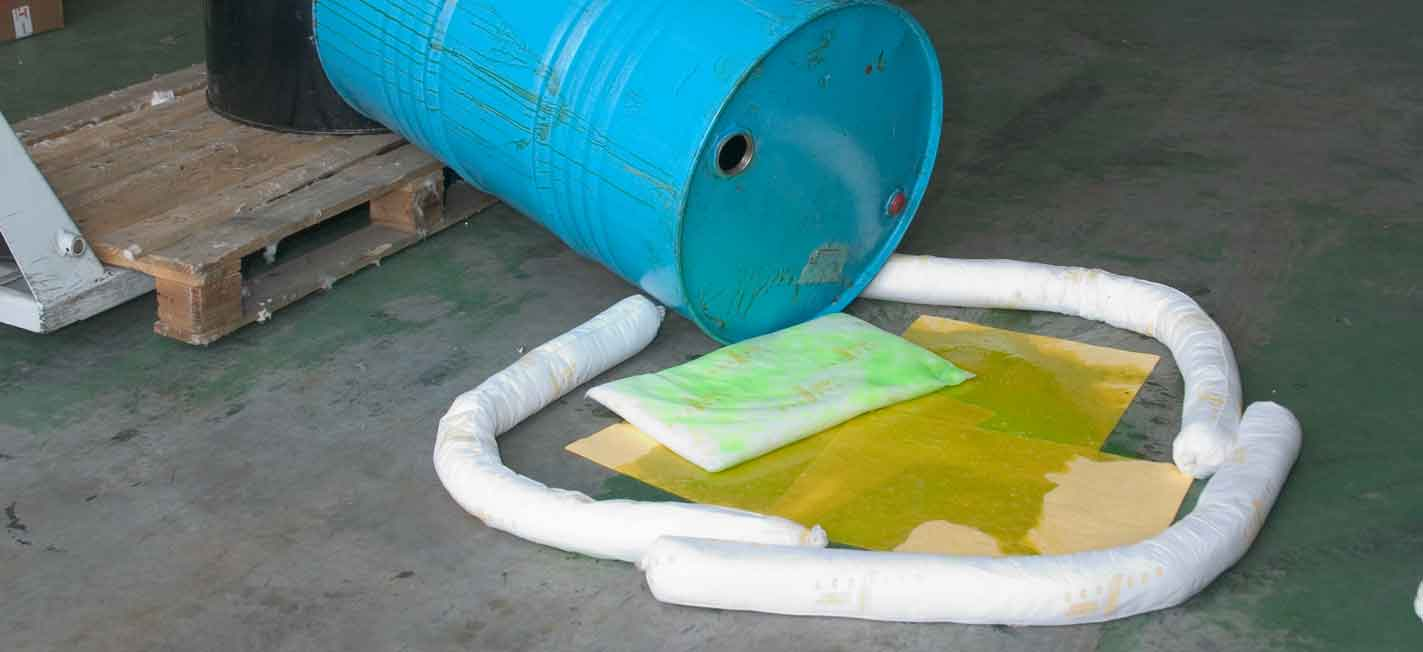 Industrial spill kits to accidental spills of oil, fuel, chemicals or any other type of liquid
