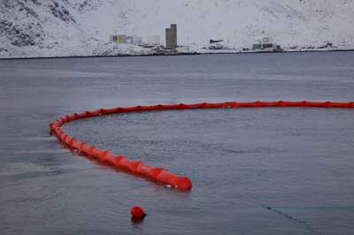 Cylindrical floatation oil containment booms for oil spills in ports, harbours and protected waters